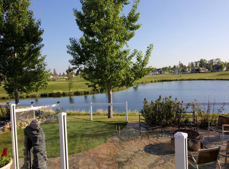 Talk about all the amenities Gleniffer Lake has to offer - Paradise Realty - Alberta Real Estate